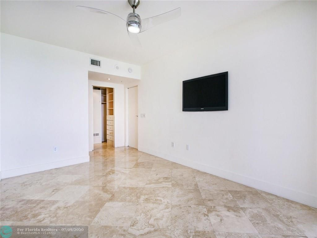 Renaissance On The Ocean for Sale - 6051 N Ocean Drive, Unit 1006, Hollywood 33019, photo 18 of 38
