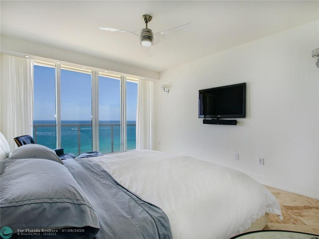 Renaissance On The Ocean for Sale - 6051 N Ocean Drive, Unit 1006, Hollywood 33019, photo 23 of 38