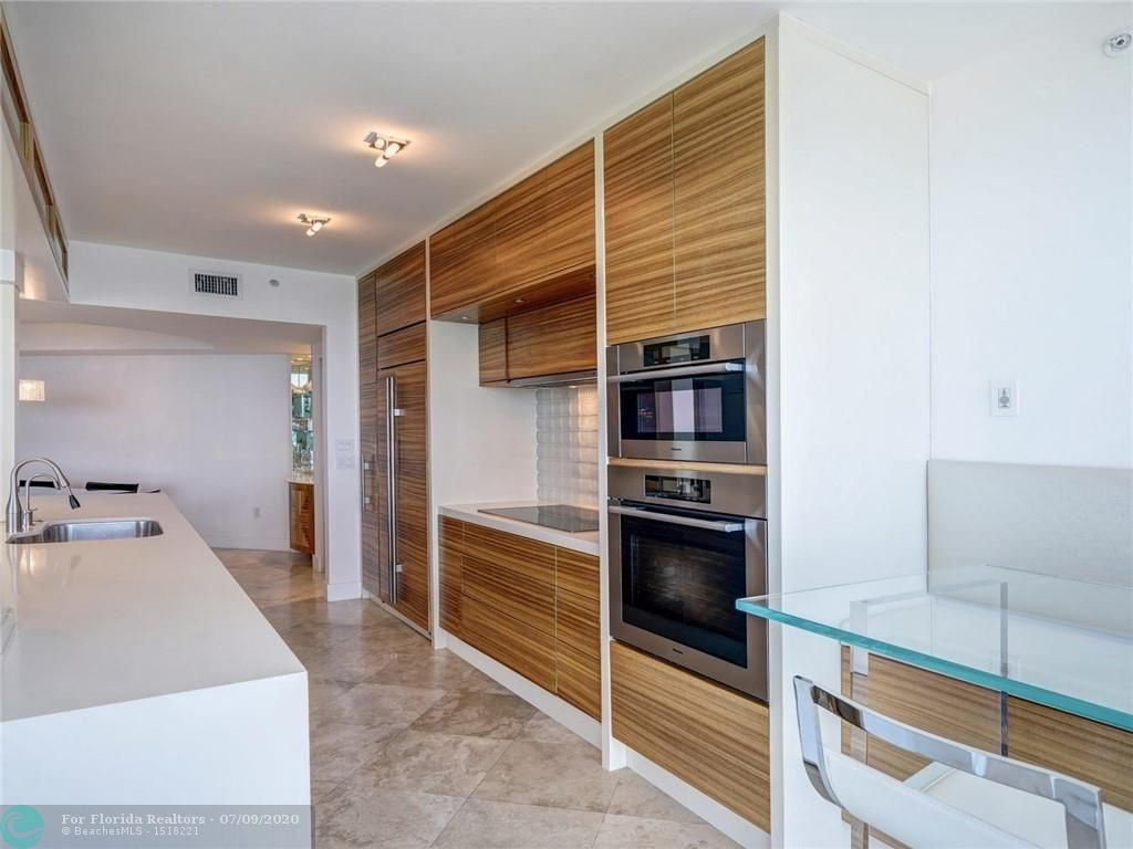 Renaissance On The Ocean for Sale - 6051 N Ocean Drive, Unit 1006, Hollywood 33019, photo 9 of 38
