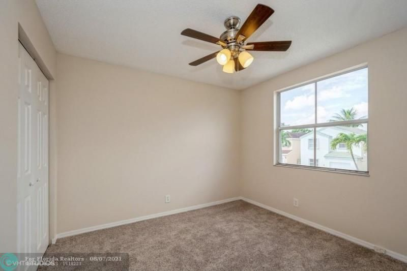 Coral Bay Rep Sec One for Sale - 6184 Mohawk Ter, Margate 33063, photo 11 of 17