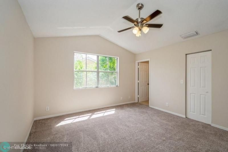 Coral Bay Rep Sec One for Sale - 6184 Mohawk Ter, Margate 33063, photo 7 of 17