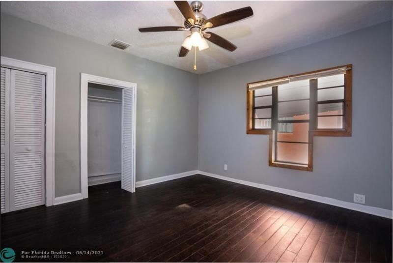Dania Heights 3-22 B for Sale - 220 SW 5th St, Dania 33004, photo 6 of 8