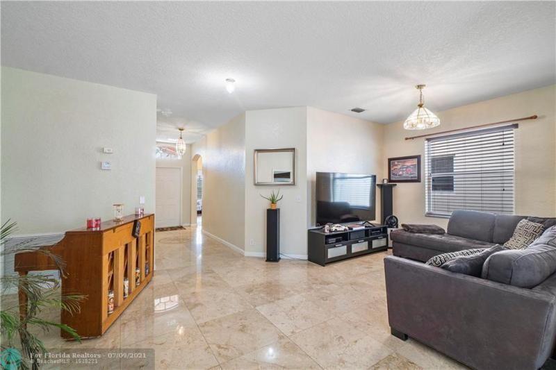 Juniper Glen for Sale - 6868 NW 33RD ST, Margate 33063, photo 15 of 45