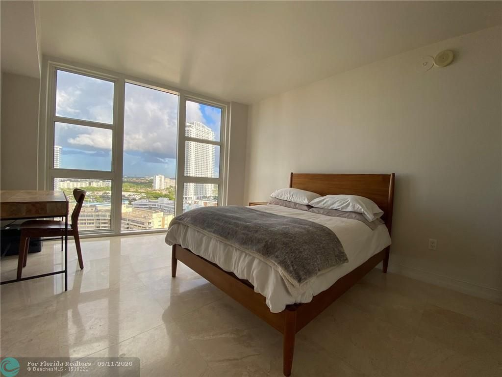 Beach Club I for Sale - 1850 S Ocean Dr, Unit 2110, Hallandale 33009, photo 16 of 25