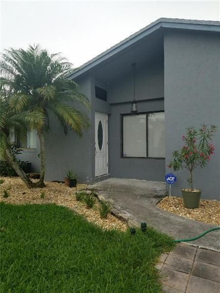 Coral Gate Sec 1 93-7 B for Sale - 5380 NW 31st St, Margate 33063, photo 2 of 29
