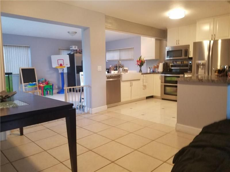 Coral Gate Sec 1 93-7 B for Sale - 5380 NW 31st St, Margate 33063, photo 7 of 29