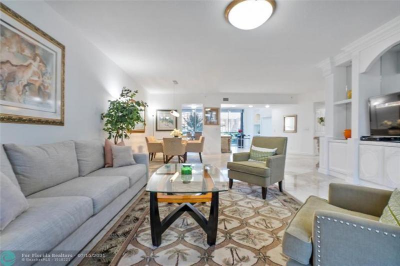 L'Hermitage for Sale - 3100 N Ocean Blvd, Unit 404, Fort Lauderdale 33308, photo 10 of 57