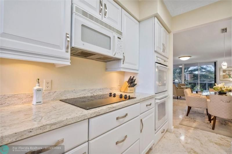 L'Hermitage for Sale - 3100 N Ocean Blvd, Unit 404, Fort Lauderdale 33308, photo 15 of 57