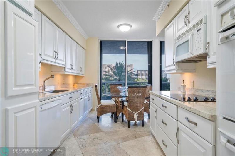 L'Hermitage for Sale - 3100 N Ocean Blvd, Unit 404, Fort Lauderdale 33308, photo 16 of 57