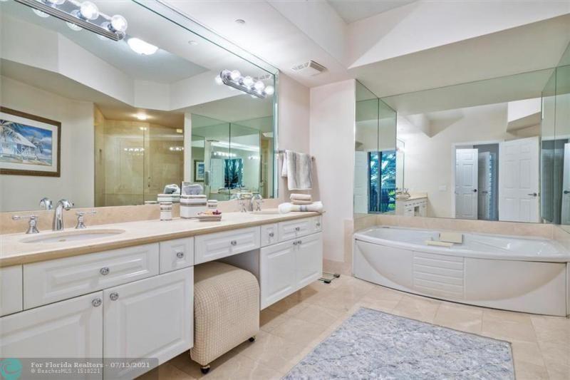 L'Hermitage for Sale - 3100 N Ocean Blvd, Unit 404, Fort Lauderdale 33308, photo 22 of 57