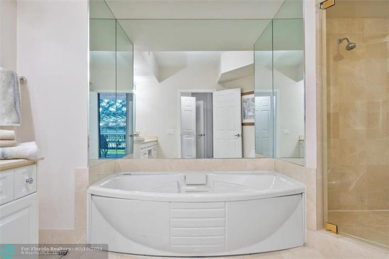 L'Hermitage for Sale - 3100 N Ocean Blvd, Unit 404, Fort Lauderdale 33308, photo 24 of 57