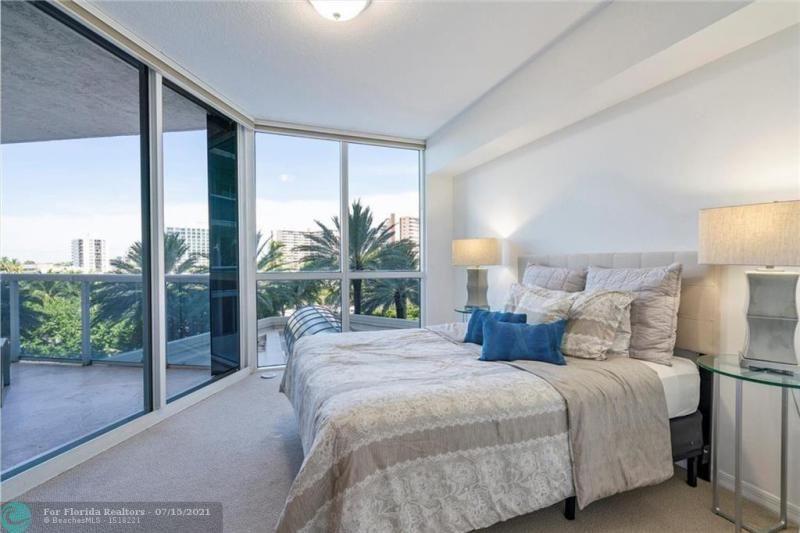 L'Hermitage for Sale - 3100 N Ocean Blvd, Unit 404, Fort Lauderdale 33308, photo 27 of 57