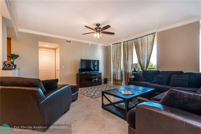 1 Ocean Boulevard for Rent - 101 SE 20th Ave, Unit 406, Deerfield Beach 33441, photo 1 of 34