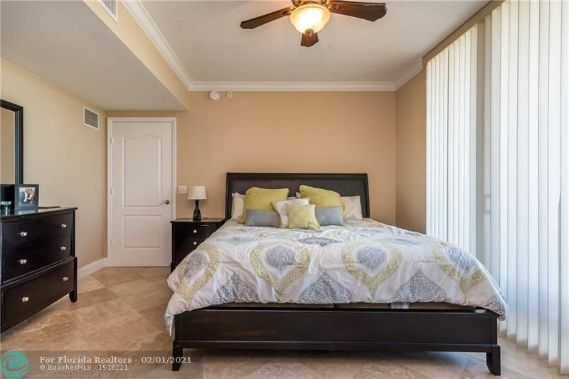 1 Ocean Boulevard for Rent - 101 SE 20th Ave, Unit 406, Deerfield Beach 33441, photo 12 of 34