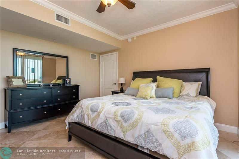 1 Ocean Boulevard for Rent - 101 SE 20th Ave, Unit 406, Deerfield Beach 33441, photo 13 of 34