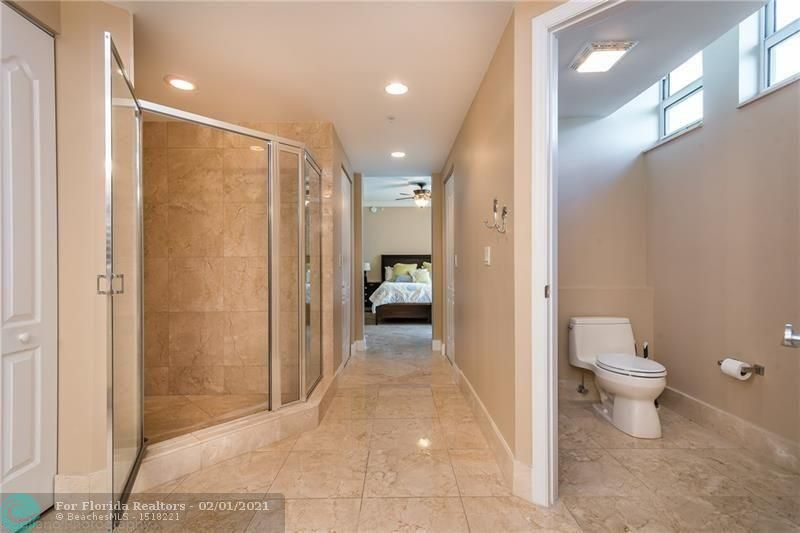 1 Ocean Boulevard for Rent - 101 SE 20th Ave, Unit 406, Deerfield Beach 33441, photo 16 of 34