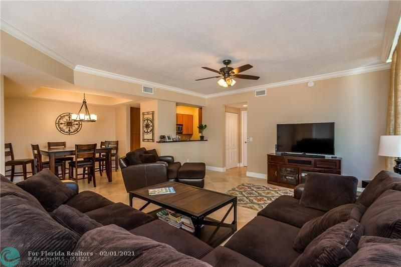 1 Ocean Boulevard for Rent - 101 SE 20th Ave, Unit 406, Deerfield Beach 33441, photo 5 of 34