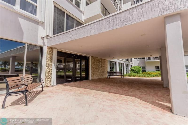 Parliament House for Sale - 405 N Ocean Blvd, Unit 1528, Pompano Beach 33062, photo 25 of 36