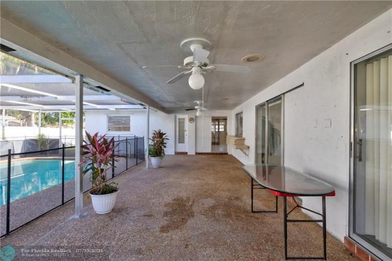 Cathedral Square 76-33 B for Sale - 1541 NW 63rd Way, Margate 33063, photo 11 of 53