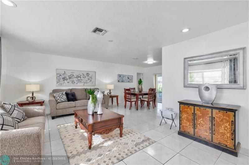 Cathedral Square 76-33 B for Sale - 1541 NW 63rd Way, Margate 33063, photo 13 of 53