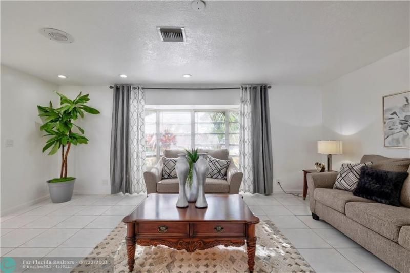 Cathedral Square 76-33 B for Sale - 1541 NW 63rd Way, Margate 33063, photo 15 of 53