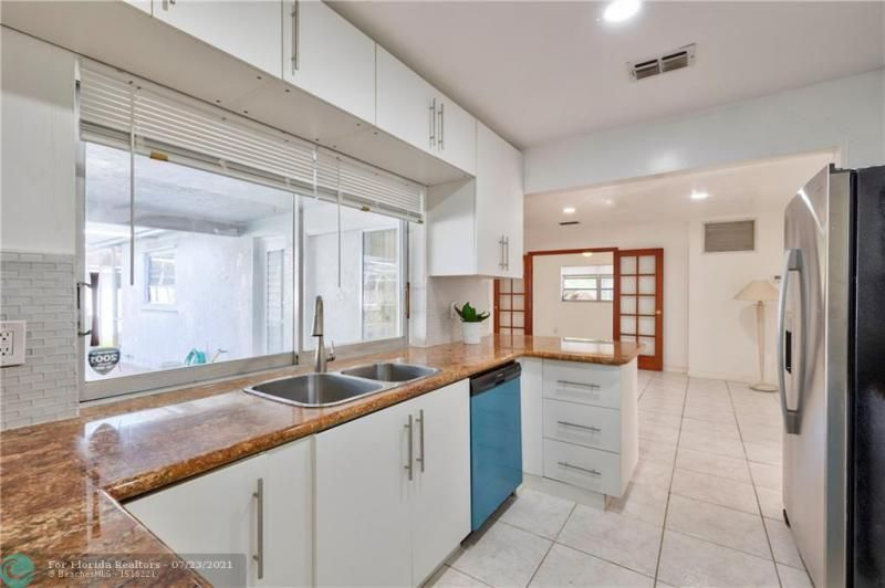 Cathedral Square 76-33 B for Sale - 1541 NW 63rd Way, Margate 33063, photo 20 of 53