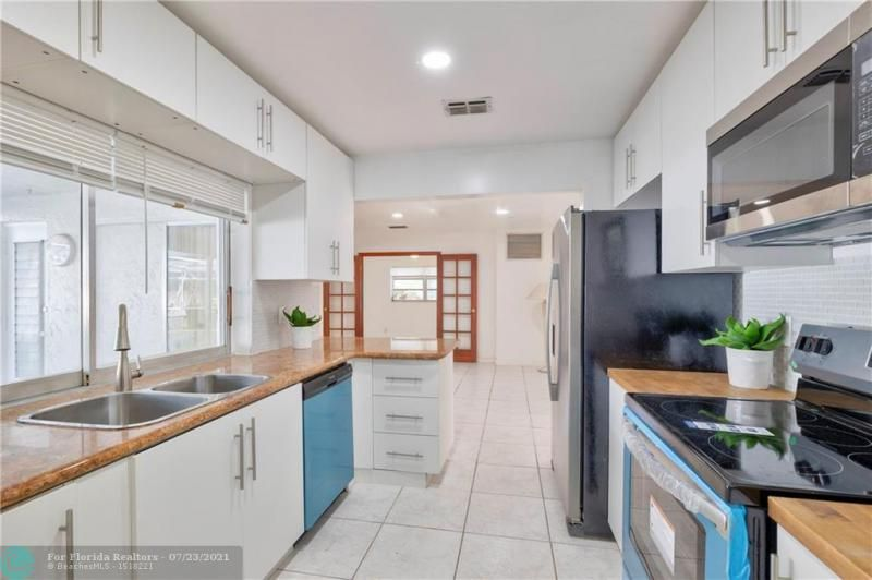 Cathedral Square 76-33 B for Sale - 1541 NW 63rd Way, Margate 33063, photo 21 of 53