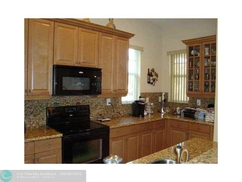 Heron Preserve for Sale - 6013 NW 118th Dr, Unit 6013, Coral Springs 33076, photo 6 of 7