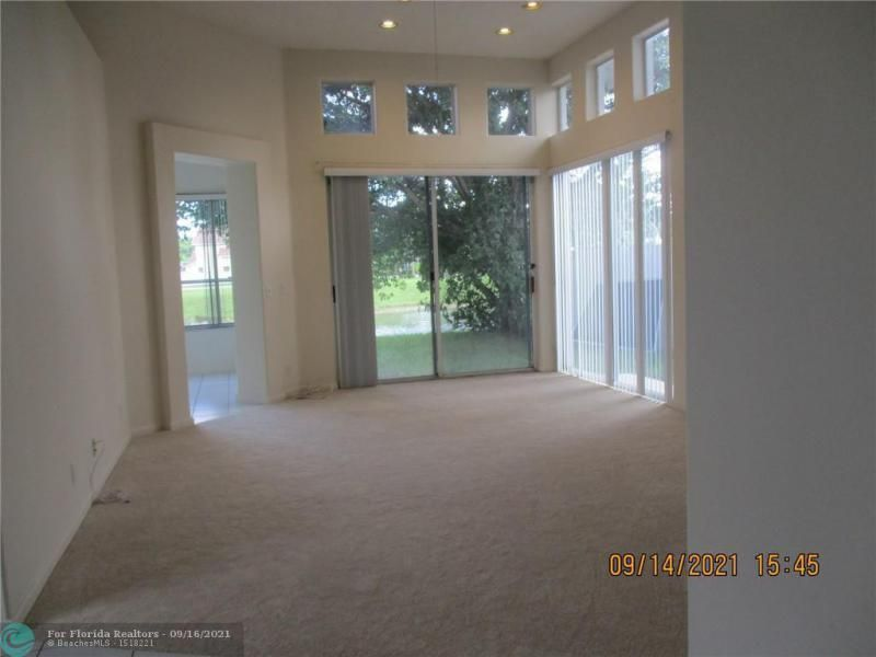 Montara for Sale - 3014 Marion Ave, Margate 33063, photo 3 of 11
