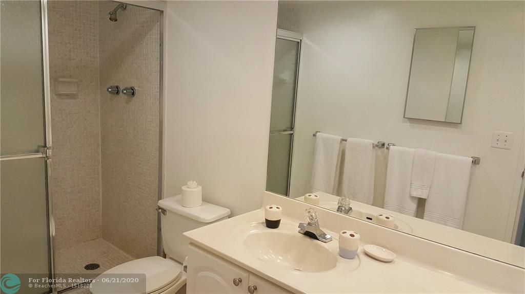 Sian Ocean Residences for Sale - 4001 S Ocean Dr, Unit 4M, Hollywood 33019, photo 7 of 8
