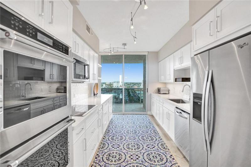 L'Hermitage for Sale - 3100 N Ocean Blvd, Unit 803, Fort Lauderdale 33308, photo 3 of 25
