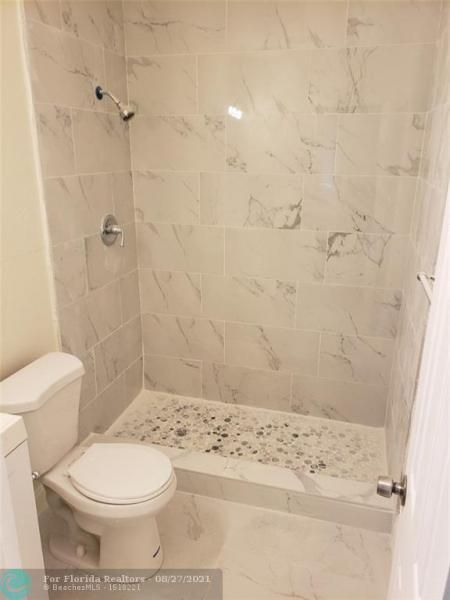 Academy Award Sec 4 Rep for Sale - 3530 NW 7th Pl, Lauderhill 33311, photo 11 of 12