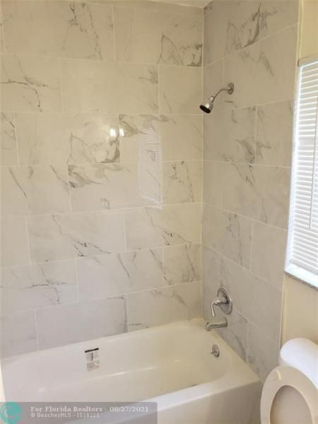 Academy Award Sec 4 Rep for Sale - 3530 NW 7th Pl, Lauderhill 33311, photo 7 of 12