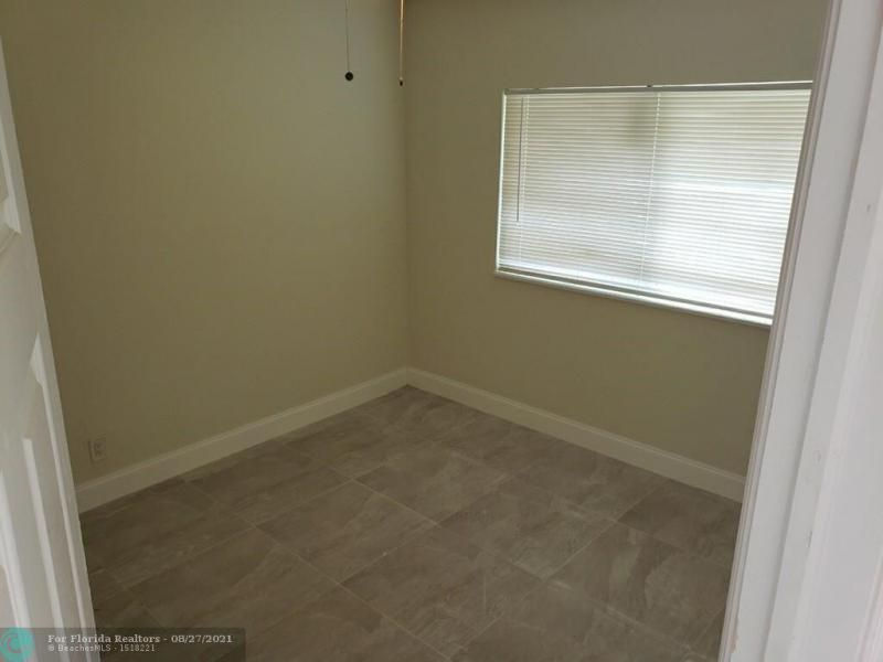 Academy Award Sec 4 Rep for Sale - 3530 NW 7th Pl, Lauderhill 33311, photo 8 of 12