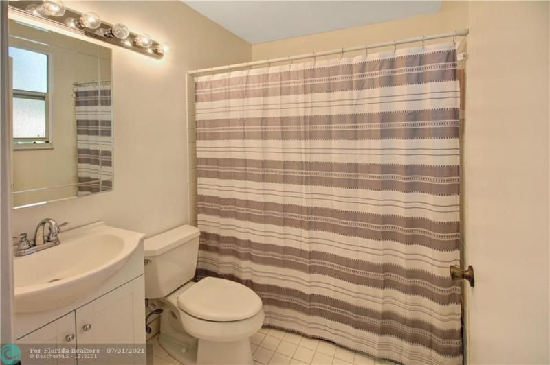 Coral Bay Prcl G 140-18 B for Sale - 6702 Bayfront Dr, Margate 33063, photo 12 of 25