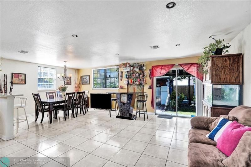 Hansen & Nelson Sub 3-76 for Sale - 600 NW 3rd St, Dania 33004, photo 10 of 41