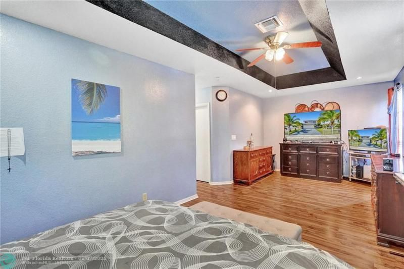 Hansen & Nelson Sub 3-76 for Sale - 600 NW 3rd St, Dania 33004, photo 21 of 41