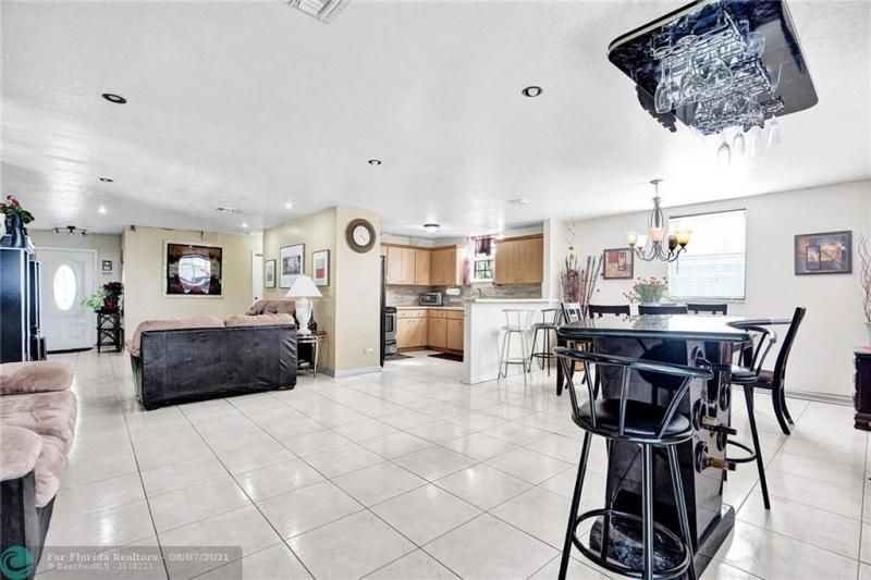 Hansen & Nelson Sub 3-76 for Sale - 600 NW 3rd St, Dania 33004, photo 4 of 41