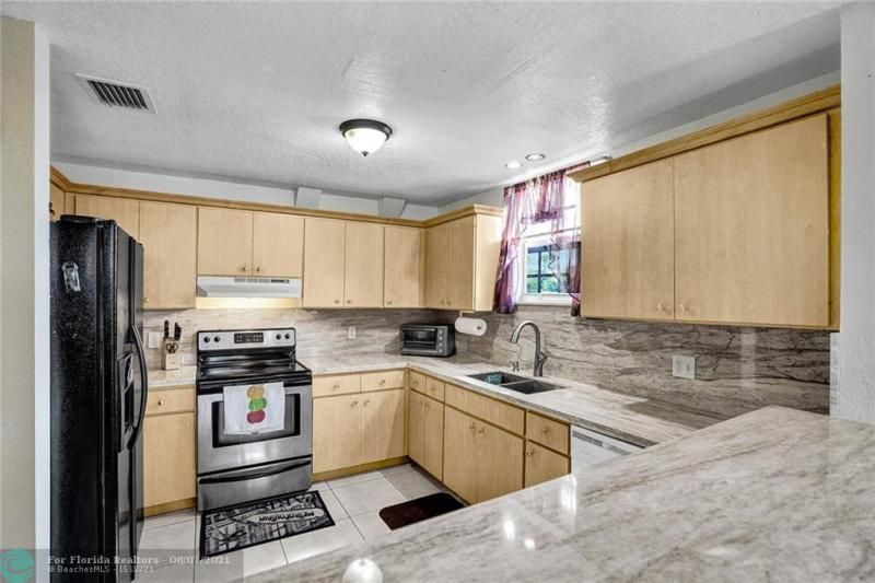 Hansen & Nelson Sub 3-76 for Sale - 600 NW 3rd St, Dania 33004, photo 6 of 41