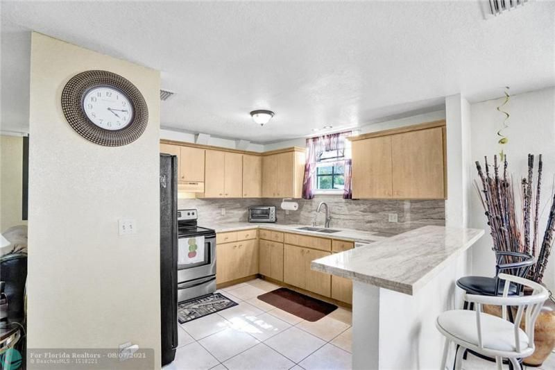 Hansen & Nelson Sub 3-76 for Sale - 600 NW 3rd St, Dania 33004, photo 9 of 41