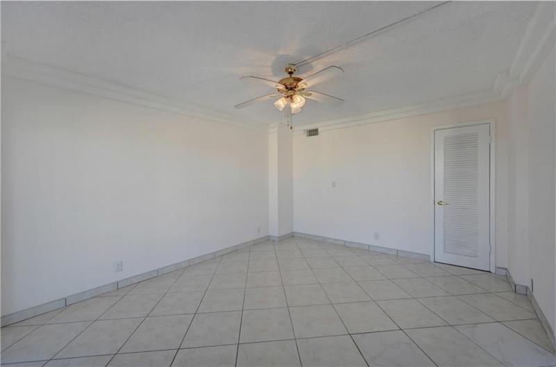Parliament House for Sale - 405 N Ocean Blvd, Unit 829, Pompano Beach 33062, photo 35 of 51