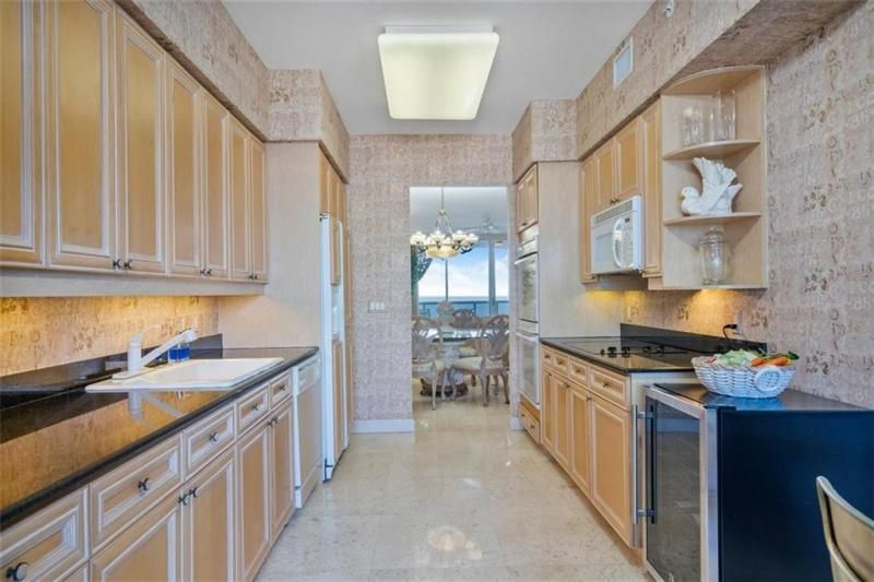 L'Hermitage for Sale - 3100 N Ocean Blvd, Unit 1003, Fort Lauderdale 33308, photo 25 of 38