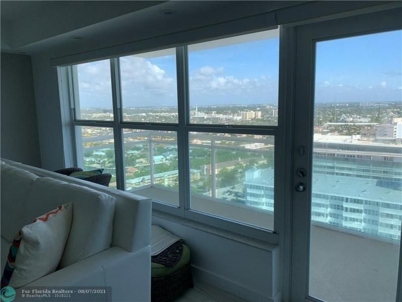 Playa Del Mar for Sale - 3900 Galt Ocean Dr, Unit 2716, Fort Lauderdale 33308, photo 9 of 23