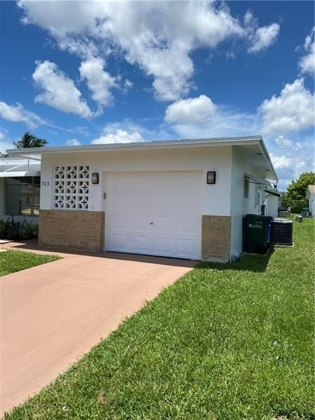 Paradise Gardens Sec 4 76 for Sale - 705 NW 75th Ter, Margate 33063, photo 3 of 18