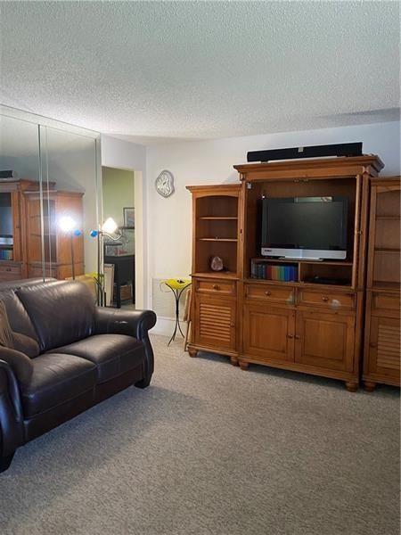 Paradise Gardens Sec 4 76 for Sale - 705 NW 75th Ter, Margate 33063, photo 5 of 18