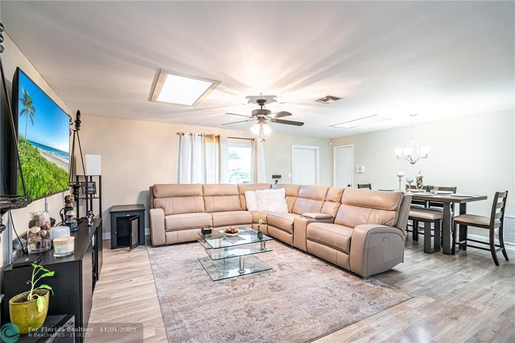 Hillsboro Pines Sec A 42- for Sale - 5511 NW 76th Pl, Coconut Creek 33073, photo 10 of 29