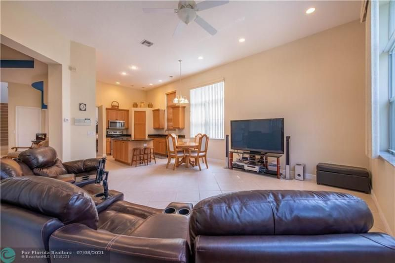 Riviera Isles for Sale - 5071 SW 170th Ave, Miramar 33027, photo 11 of 45