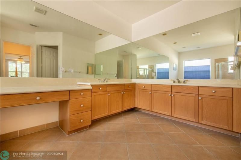 Riviera Isles for Sale - 5071 SW 170th Ave, Miramar 33027, photo 15 of 45