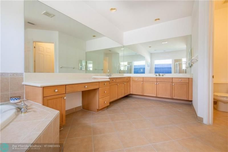 Riviera Isles for Sale - 5071 SW 170th Ave, Miramar 33027, photo 17 of 45