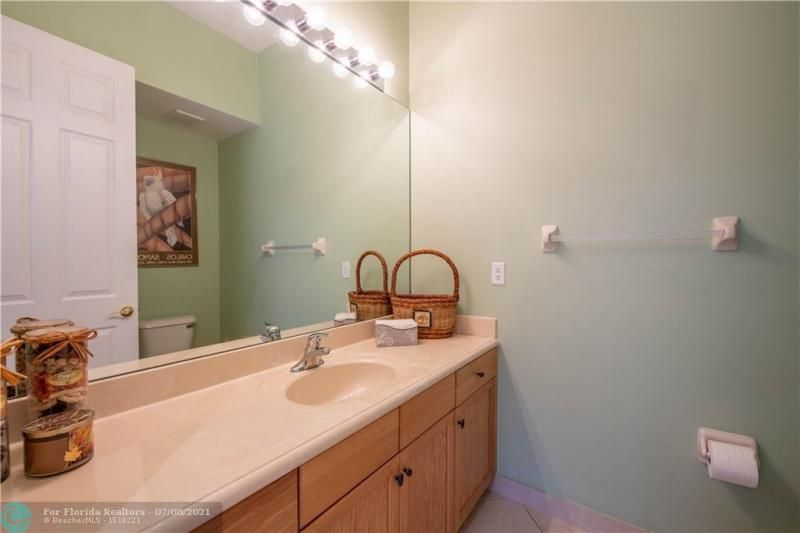 Riviera Isles for Sale - 5071 SW 170th Ave, Miramar 33027, photo 19 of 45